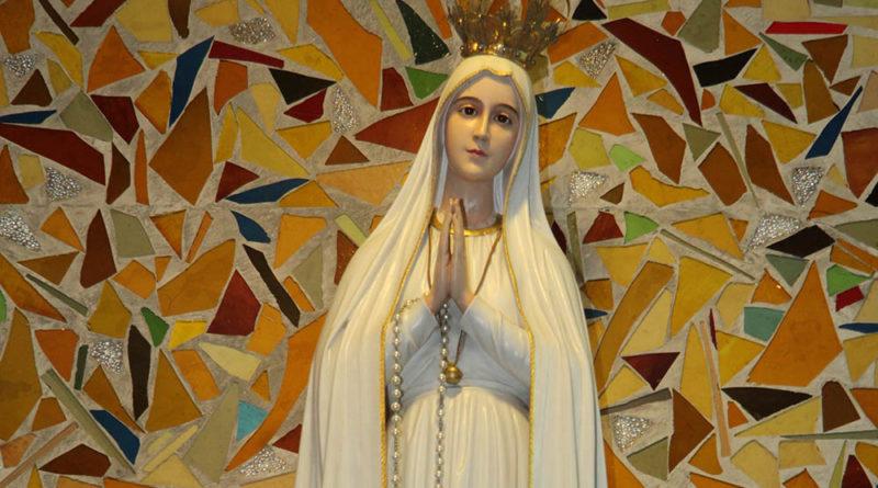 (Niezwykła) figura Matki Bożej Fatimskiej w Niepokalanowie