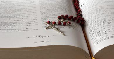 OTO MATKA TWOJA: Odmawiaj Różaniec tak, jak robił to św. Jan Paweł II